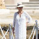 Catherine Zeta Jones on holiday in France - 454 x 762