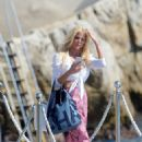 Victoria Silvstedt at Hotel du Cap in Antibes - 454 x 664