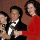 Jodie Foster, Dustin Hoffman and Sigourney Weaver At The 46th Annual Golden Globe Awards (1989) - 340 x 228