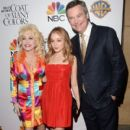 Dolly Parton arrives at the premiere of Warner Bros. Television's