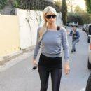 Paris Hilton - TV Set in Hollywood, 30-11-10