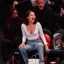 Bella Hadid at the Knicks vs Lakers game in NYC