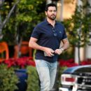 Jesse Metcalfe is seen in Los Angeles, California - 400 x 600
