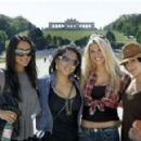 Tiffany, Gail Kim and the Bella twins
