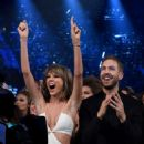 Taylor Swift and Calvin Harris At The 2015 Billboard Music Awards - 454 x 606