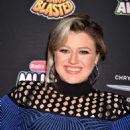 Kelly Clarkson – 2018 Radio Disney Music Awards in Hollywood - 454 x 682