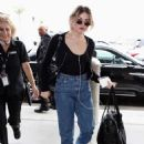 Frances Bean Cobain – Arrives at LAX International Airport in LA - 454 x 609