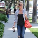 'Jenny's Wedding' actress Katherine Heigl stops by a studio in Studio City, California on August 10, 2015 - 436 x 600