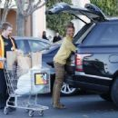 Brandy Norwood doing a bit of shopping at Ralph's in Calabasas, California on December 28, 2014