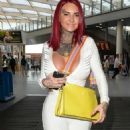 Jemma Lucy at the Manchester Arena to watch Tyson Fury make his comeback - 454 x 875