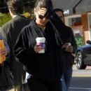 Makeupless Mila Kunis' Java Jumpstart