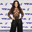 Demi Lovato At The 2017 MTV Video Music Awards - 400 x 600