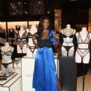 Victoria's Secret Angel Leomie Anderson Debuts New Fall Collection - 454 x 599