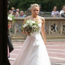 Kristen Bell dons a wedding dress filming 'Like Father' in NYC - 454 x 661