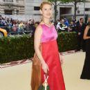 Claire Danes – 2018 MET Costume Institute Gala in NYC - 454 x 683