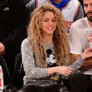 Shakira and Gerard Pique Attend The New York Knicks Vs Philadelphia 76ers Game - 454 x 490