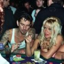 Pamela Anderson and Tommy Lee - 266 x 355