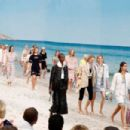 Hannah Ferguson – Chanel Runway Show in Paris - 454 x 303