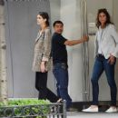 Kaia Gerber – Shopping for a new apartment in New York City - 454 x 362
