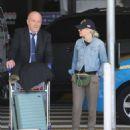 Elizabeth Banks – Arrives at LAX Airport in LA - 454 x 566