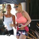 Britney Spears – Seen out in Los Angeles - 454 x 637