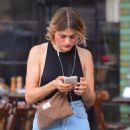 Frances Bean Cobain – Out in NYC - 454 x 513