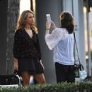Juno Temple – Filming her new drama series 'Dirty John' in Glendale - 454 x 536