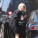 Jennifer Lawrence in Black Dress – Heads to a meeting in Beverly Hills - 454 x 683