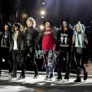 Guns N' Roses show in SF revives classic Slash-Axl Rose dynamic - 454 x 287