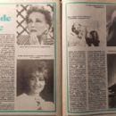 Jeanne Moreau - Rakéta Regényújság Magazine Pictorial [Hungary] (3 March 1992) - 454 x 300