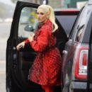 Gwen Stefani and her kids are seen leaving church in Los Angeles, California on February 5, 2017 - 391 x 600