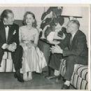 Bob Hope & Elaine Shepard - 454 x 327