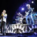 Van Halen live at Tampa's MidFlorida Credit Union Amphitheatre on September 13, 2015 - 454 x 303