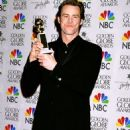 Jim Carrey At The 57th Annual Golden Globe Awards - Press Room (2000) - 454 x 605