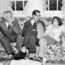 Bringing Up Baby - Katharine Hepburn - 344 x 277