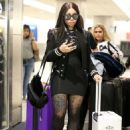 Blac Chyna at the Airport in Miami, Florida - March 7, 2018 - 454 x 681
