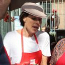 Minnie Driver – Los Angeles Mission Hosts Thanksgiving Event For The Homeless - 454 x 649