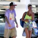 Hailey Baldwin and Justin Bieber – Leaves yoga class in Beverly Hills