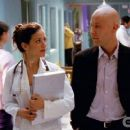 Emmanuelle Vaugier and Michael Rosenbaum