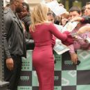 Madchen Amick – Arriving at AOL Build studios in New York City - 454 x 681