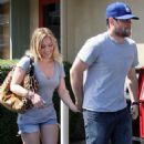 Hilary Duff - Out For A Late Lunch In Los Angeles, 29.08.2009.