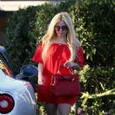 Avril Lavigne in Red out in LA - 454 x 698