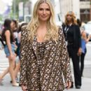 Willa Ford – Outside 'Build Series' in New York - 454 x 893