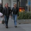 Anna Faris and Michael Barrett – Christmas shopping in Los Angeles - 454 x 389