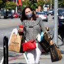 Molly Shannon – Leaving Erewhon Organic in Los Angeles - 454 x 681