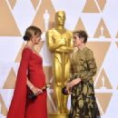 Allison Janney and Frances McDormand At The 90th Annual Academy Awards - Press Room (2018) - 454 x 316