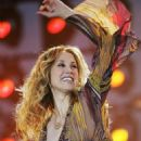 Lara Fabian - France 2 Live Show ' Fete De La Musique' In The Bagatelle Gardens On June 21, 2008, In Paris, France - 454 x 681