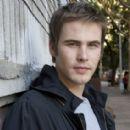 Zach Cregger - 425 x 283