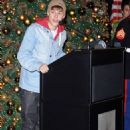 Justin Bieber Lights Up the Empire State Building