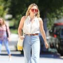 Hilary Duff – Out for coffee in Studio City - 454 x 681